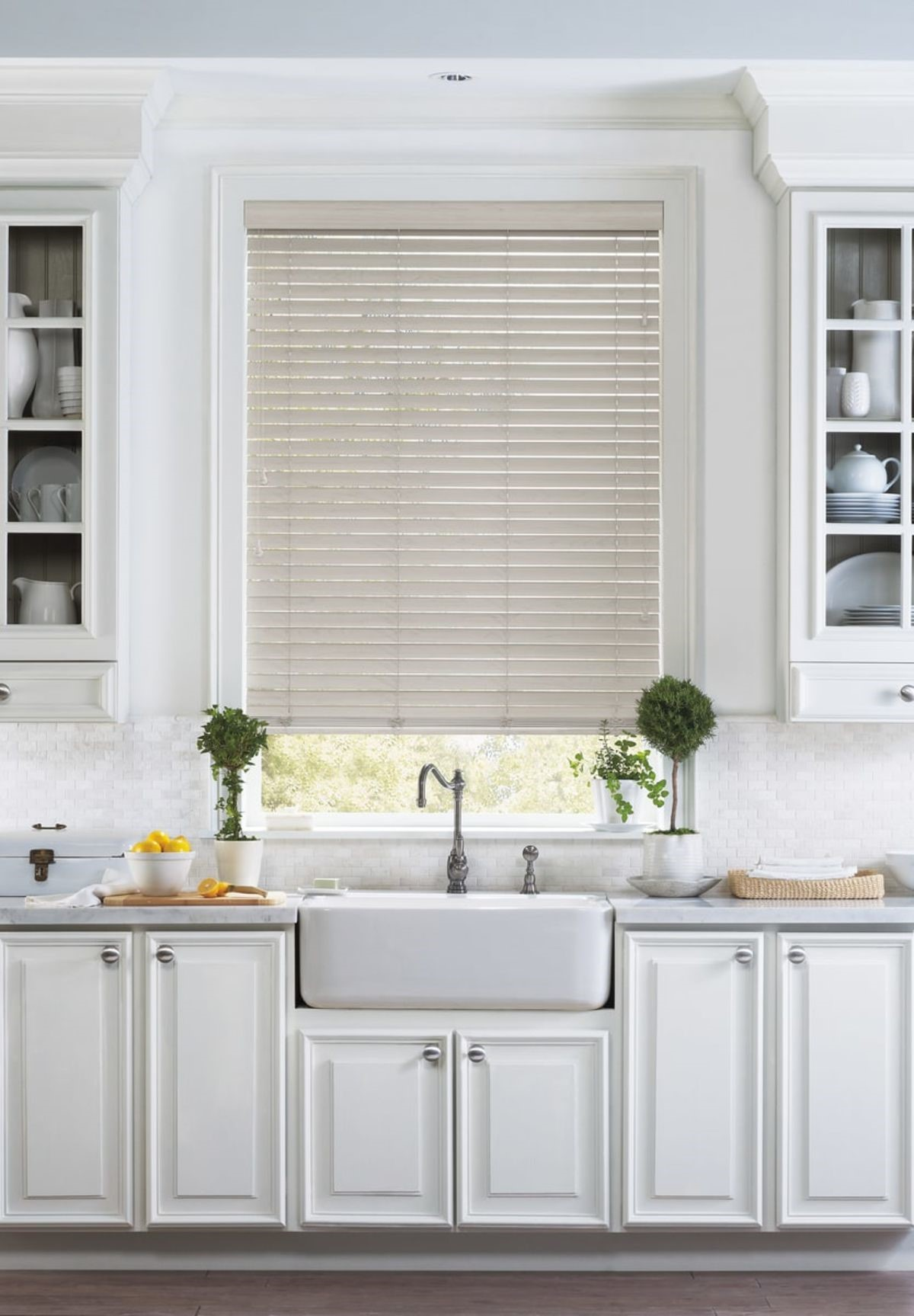 This Classic Style Will Never Look Outdated, And Faux Wood Blinds Are  Engineered To Withstand Moisture And Kitchen Areas In The U201csplash Zone.u201d
